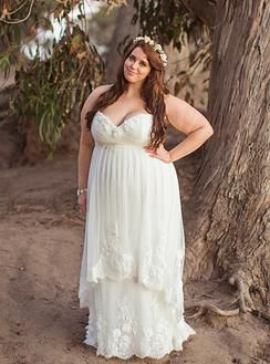 Natural Earthy Ranch Wedding gown for the Curvy bride  Available at Della Curva: Plus SIze Bridal Salon, Tarzana , CA Photography by Jessica Fairchild Santa Barbara, CA