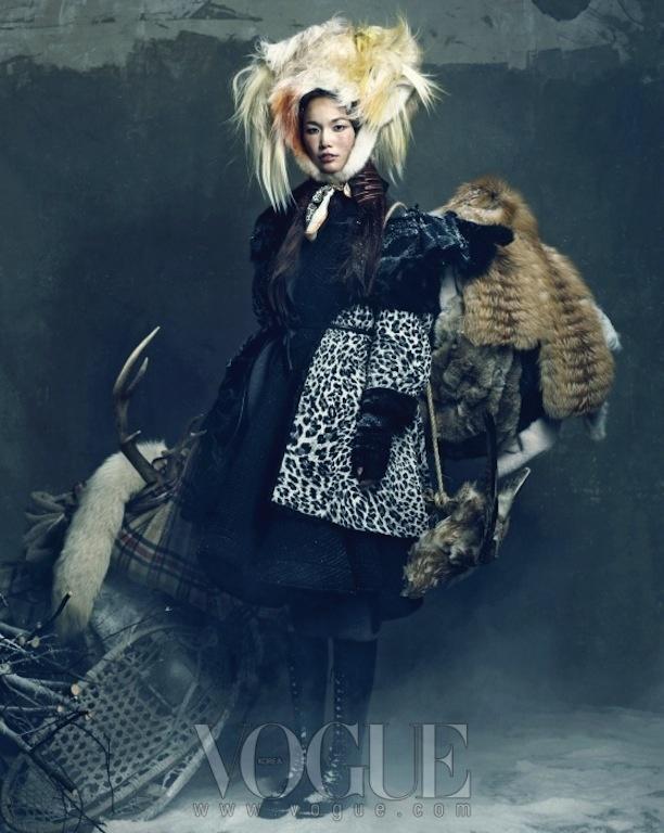"""""""Queen of Snow"""": Han Hye Jin, Song Kyung Ah, and Jang Yoo Ju by Hong Jang Hyun for Vogue Korea"""