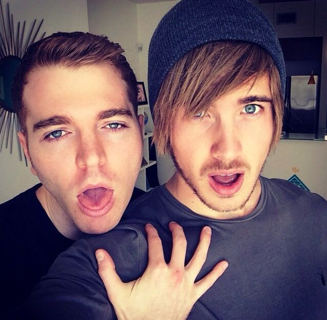 Shane Dawson and Joey Graceffa? Lol Joey looks like Shane