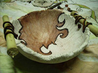 artesanias liliana cambursano cuenco simil piedra con caña y cuero, apto para soportar agua.