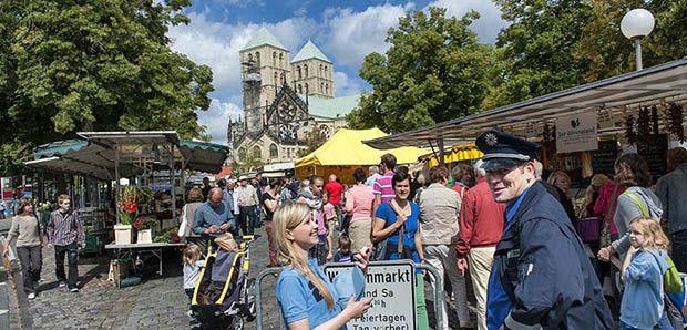 Fietsen in Münster, bekijk hier de hoogtepunten; http://www.anwb.nl/wandelen/buitenland/duitsland%5B2%5D/fietsen-in-munster