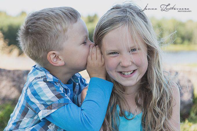 Ikuistetaan Tunne, lapsikuvaus ♥  #lapsikuvaus #minikuvaus #minisession #ikuistetaantunne #valokuvaajasuomi #studiokuvaus #funnypictures #summer #siblings  http://ikuistetaantunne.blogspot.fi/