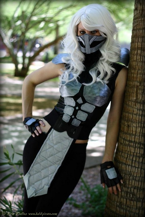 Mortal Kombat. Smoke cosplay. Female.