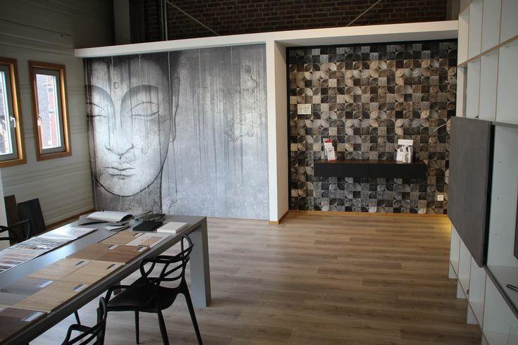 Tischlerei Köln - Unser Showroom mit Tisch, Sideboard und Einbauschränken