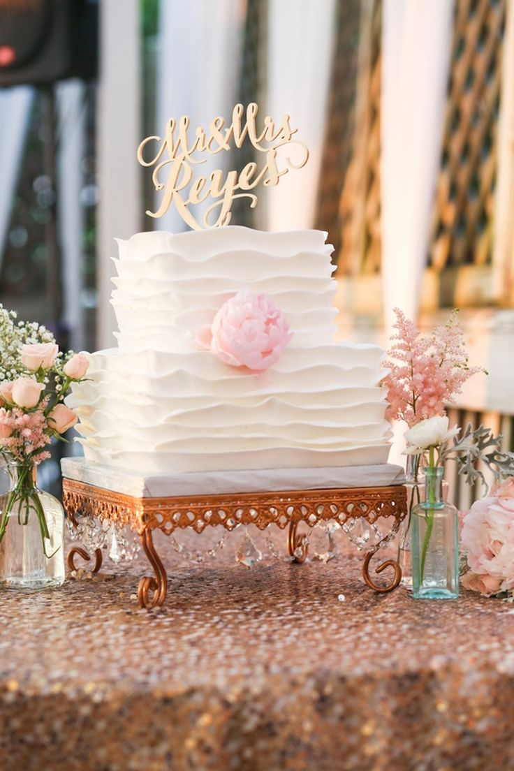 White, Scalloped Square and Round Wedding Cake | Life Long Studios on @marrymetampabay
