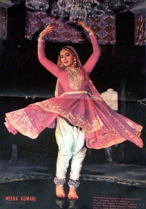 Meena Kumari actress - you must own a gherawala anarkali like this, if you like to perform at family Sangeet functions. Twirl and matak and recreate the magic of the movies for the enjoyment of friends and family.