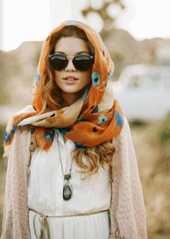 I love the headwrap, the top and the sweater layered over. Everything just goes together and is balanced out so well. I love how the blue flowers in the scarf are reflected in the turquoise necklace.