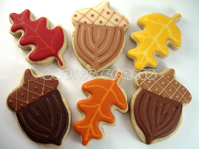 Very cool acorn cookies plus leaves for autumn / fall