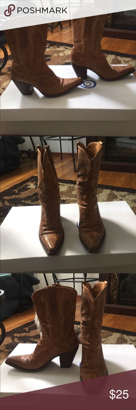 Old Gringo Women's Cowboy Boots Size 8 women's boots purchased in Wyoming. Gently used and worn only a handful of times.  Some wear on the toes of the boots. Old Gringo Shoes Heeled Boots