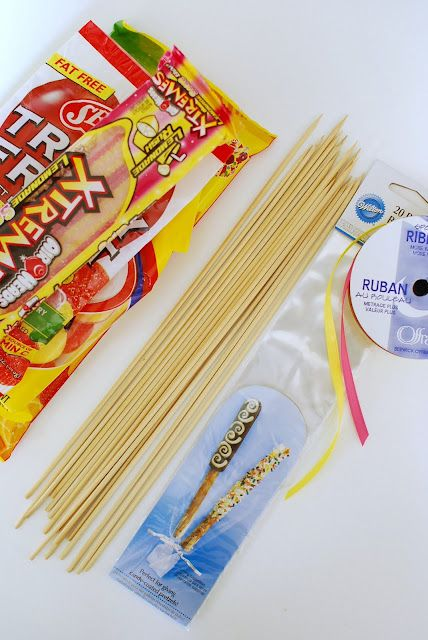 anna and blue paperie: {diy Tutorial} Candy Kabobs