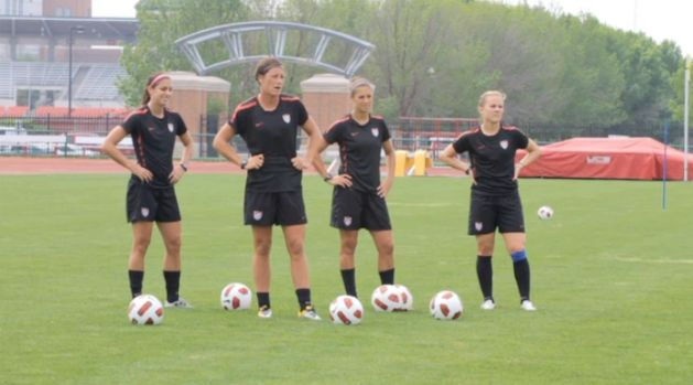 For all my soccer girls....drills/workouts to get back in playing shape or just great shape in general :)
