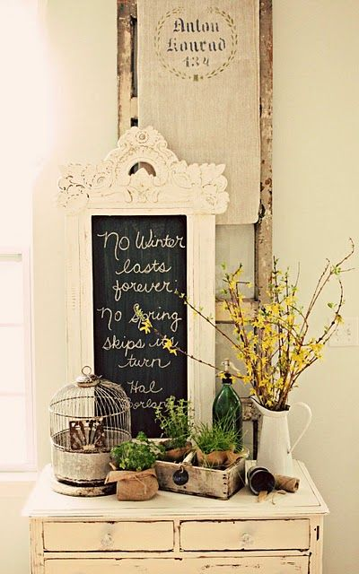 Country shabby chicVignettes, Shabby Chic Decor, Chalkboards, Decor Ideas, Countrydecor, Spring Decor, Country Decor, Chalk Boards, Home Decor