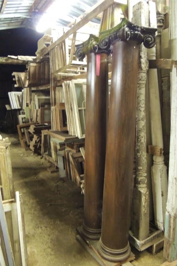 Tiny Texas Houses Architectural Salvage Getting Ready For A Big Sale Of Parts And Pieces