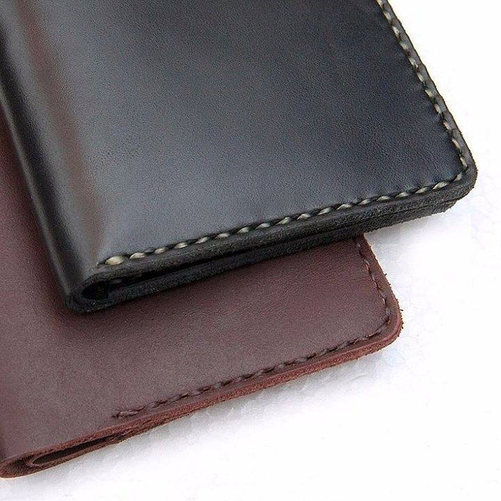 Dompet Kulit Pria Warna : - coklat (ukuran 105 x 105cm) - hitam (ukuran 115 x 9 cm) Bahan : kulit sapi best quality Benang : sinew (import jepang) Pengerjaan : handmade Detail : 6 kantong kartu dan 1 kantong uang Rp. 400.000- Cek detail di : http://ift.tt/1USa3UA http://ift.tt/1SONSwA #hobbiesgarage #dompet #wallet #kulit #leather #bukalapak #tokopedia #dompetpria #bandung #indonesia http://ift.tt/1V8p1qT