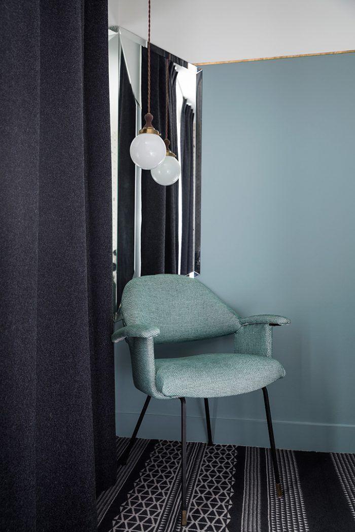 Esprit vintage, fauteuil bleu, Hotel Panache, nouvelle adresse chic parisienne