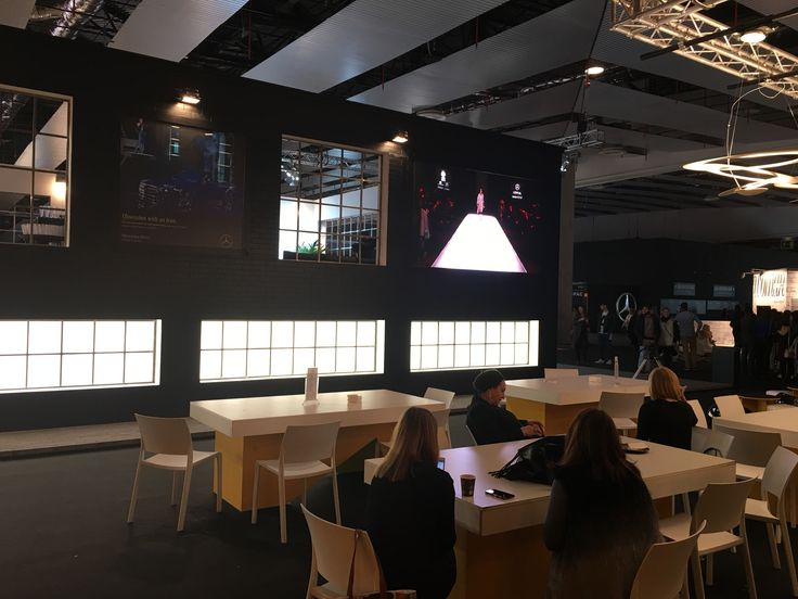 Digital Signage 2016 Mercedes Fashion Week 2016 #digitalsignage #marketing #videocontent #MFWS2016