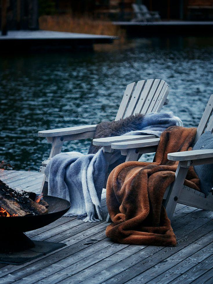 Un chalet au bord d 39 un lac au canada un feu allum des plaids sur chaque fauteuil un sapin - Odeur de sapin dans la maison ...