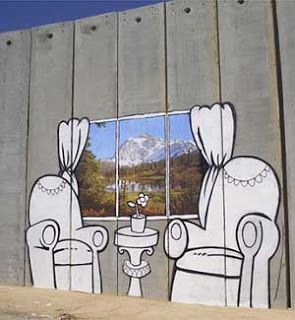 The World of Banksy Art : Banksy Graffiti in Palestine