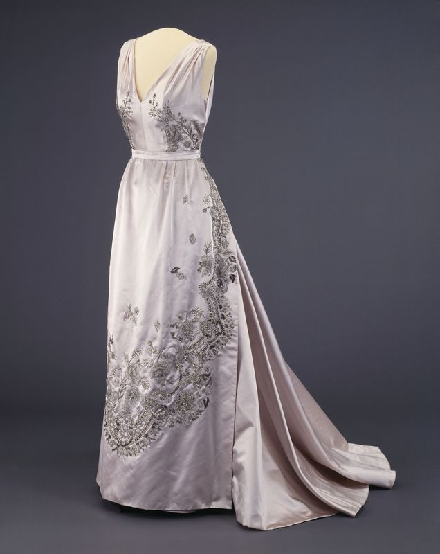 202 best vintage 1950s images on pinterest 1950s fashion for Dresses for silver wedding anniversary