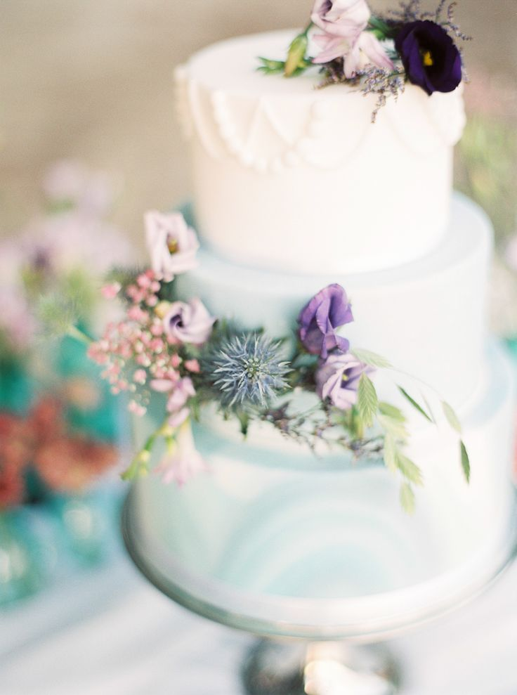 Sand and sea wedding cake