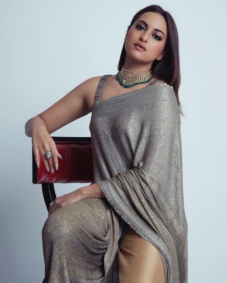 Big Boobs Xxx Sonakshi Sinha Photo Without Bra Nude Desi Actress