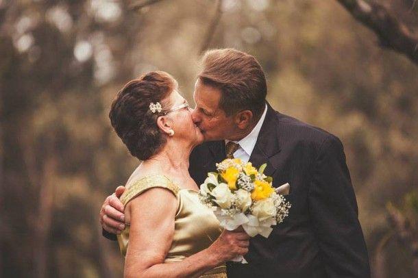 E aí amiga, já está casada há quanto tempo? Já sabe qual das bodas você e o maridão vão comemorar no próximo aniversário de casamento?! Então vem conferir o significado das bodas de casamento e qual material representa cada ano de matrimônio.