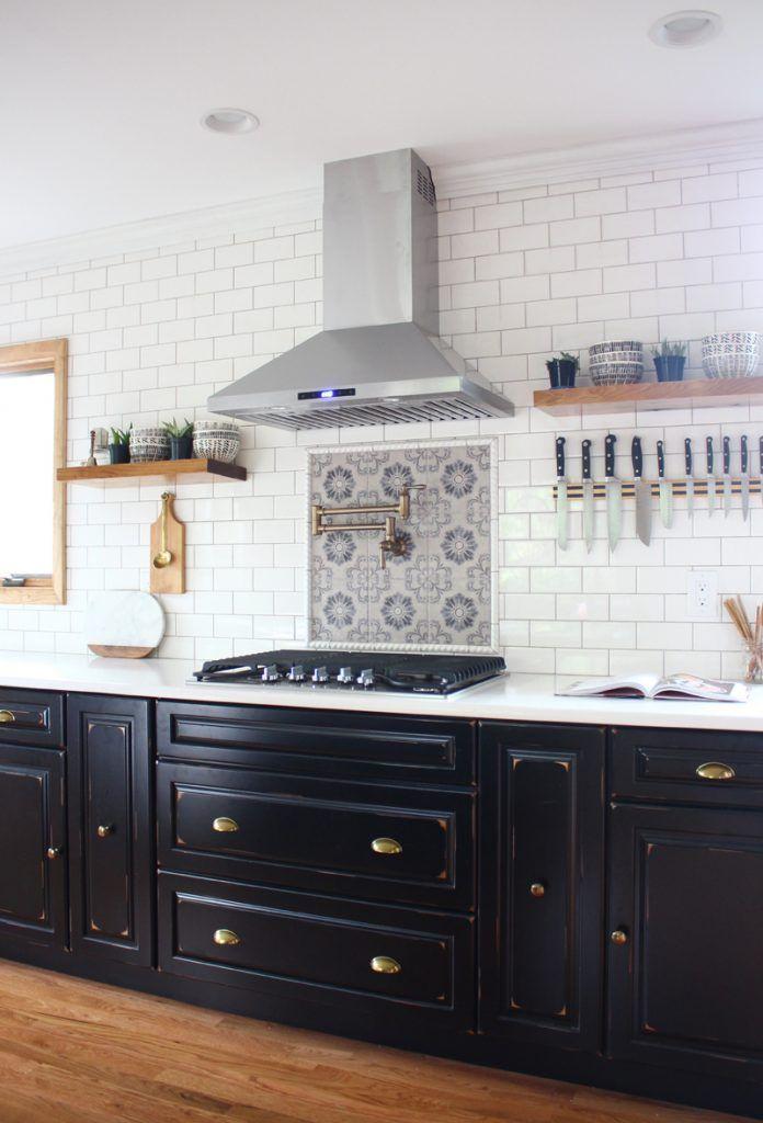 Designer Spotlight: A Conversation with Designer Shannon Tate-Giordano | Interior Design by Shannon Tate-Giordano | Photography by Shannon Tate-Giordano | Modern Sanctuary | Kitchen Inspiration | Contemporary Kitchen | Kitchen Backsplash Inspiration