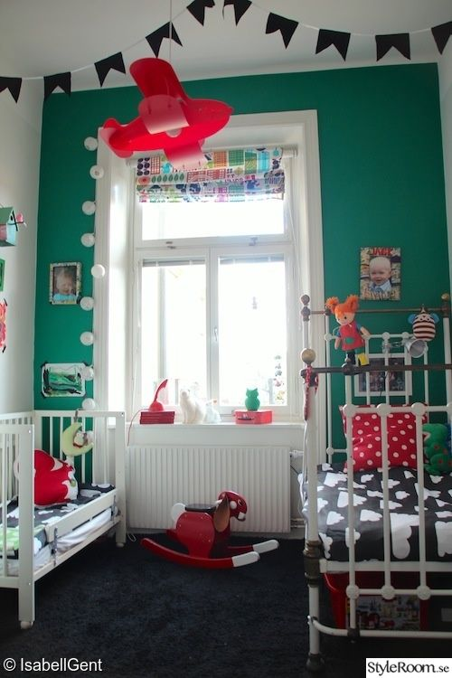 children's room, green, red, clouds