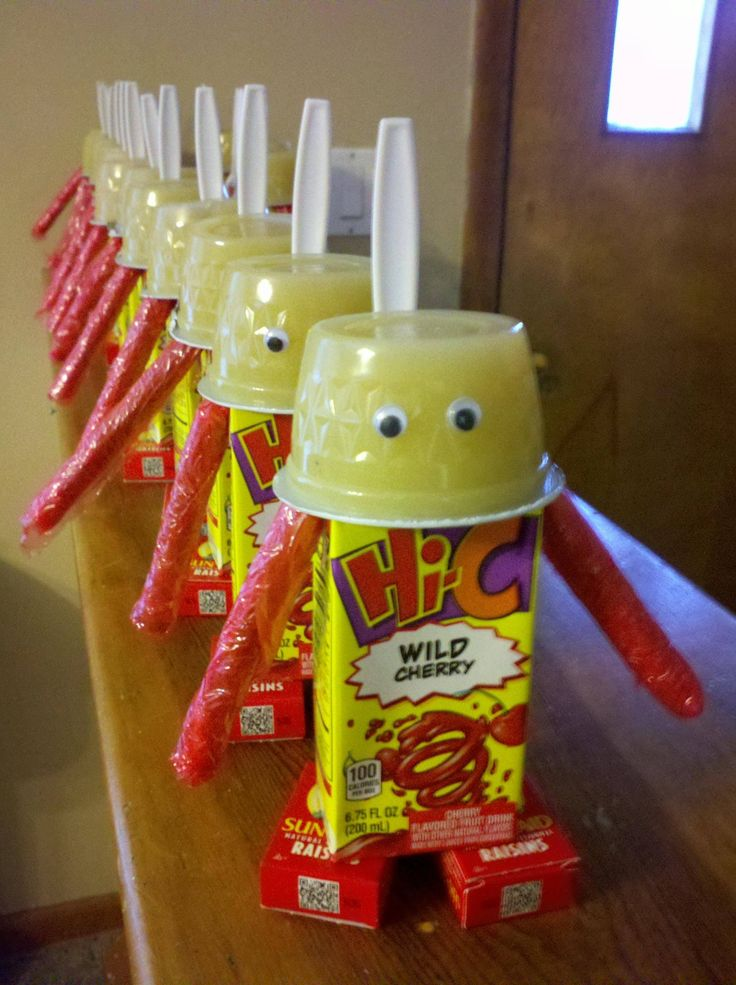 Preschool snack and drink all in one :) Juicebox robots that we made for Valentine's Day School Treats :)