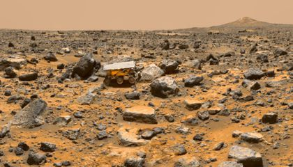A Toxic Cocktail on the Surface of MarsNew experiments on Earth may affect how we search for life on the Red Planet.