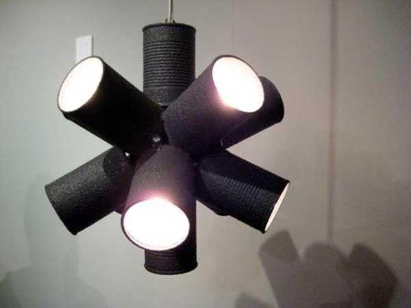 ideas-hacer-lamparas-con-material-reciclado-latas-de-conservas