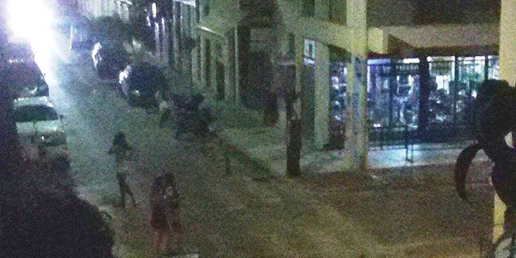 Ανθεί η πορνεία από Αφρικανές στην Πάτρα – Δείτε το οικόπεδο που έχει μετατραπεί σε υπαίθριο οίκο ανοχής!