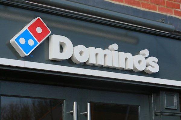 Domino's vai testar entrega de pizzas na Europa com drones sobre rodas