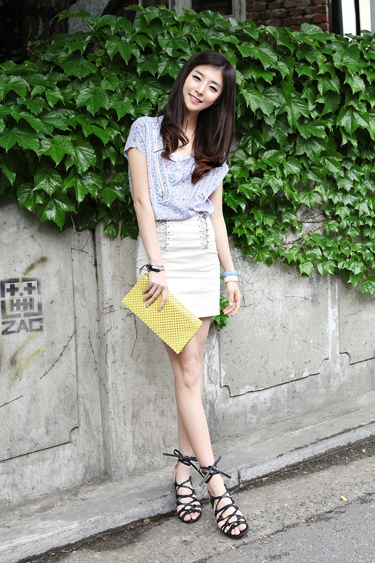 "✮✮""Feel free to share on Pinterest"" ♥ღ http://fashionandclothingblog.com/japanese-fashion/"