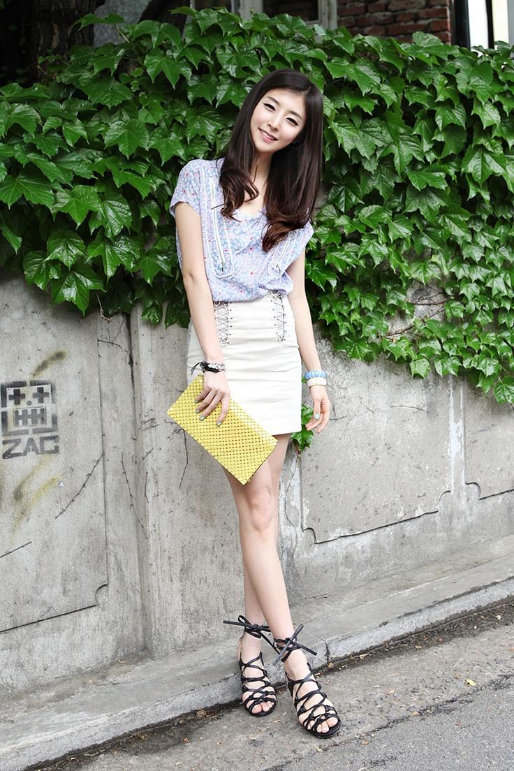 "✮✮""Feel free to share on Pinterest"" ♥ღ http://fashionandclothingblog.com/japanese-fashion/"