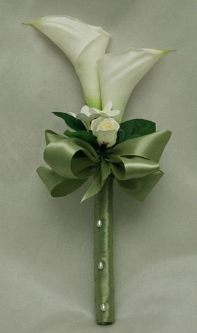 2 calla lily bridesmaid bouquet