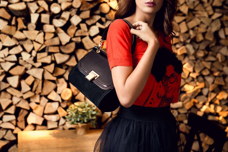 Hey, life is too short to wear boring bags! Choose RENA!  #genti #MadeInRomania