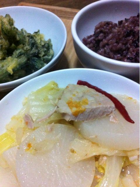 ブータン料理 豚肉と大根と唐辛子の煮物だそうな - 1件のもぐもぐ - パクシャ・パー by Koichi Tanaka