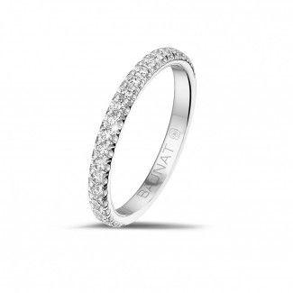 Witgouden Diamanten Ringen - Alliance (half bezet) in wit goud met ronde diamanten