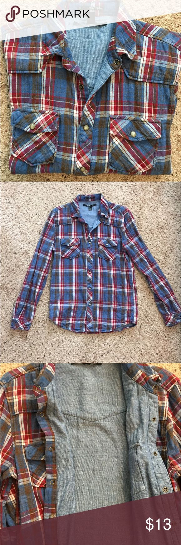 Men's plaid button down long sleeve shirt M Men's forever 21 denim plaid button down shirt. Western style with snap buttons. Size M fits to size but it thicker than most plaid shirts. Blue, white, burgundy, and black/gray. 21men Shirts Casual Button Down Shirts
