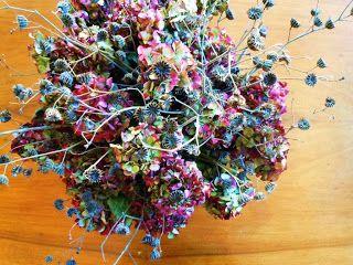 Composizione di fiori autunnali