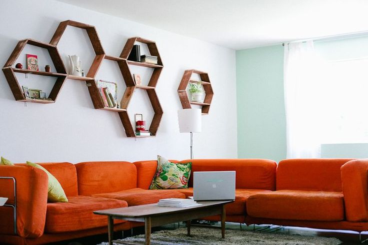 Honeycomb Wall Decor from A Beautiful Mess. LOVE this blog.: Power Tools, Living Rooms, Honeycombs Shelves, Decoration Idea, Diy'S Projects, Wall Shelves, Wall Decoration, Hexagons, Diy'S Honeycombs