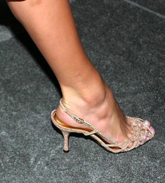 Jennifer-Lopez-Feet-831292.jpg (543×600) | Stopy celebrytek ...: https://www.pinterest.com/pin/303570831109232978