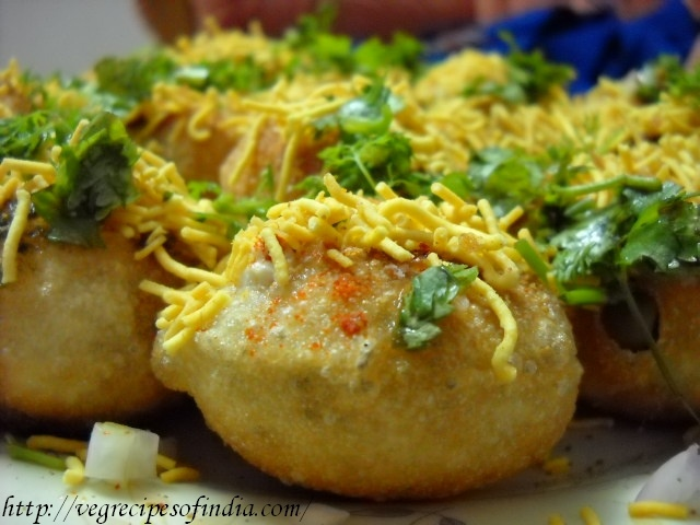 Indian food at its best - how to make Sev Puri...  #India #Food