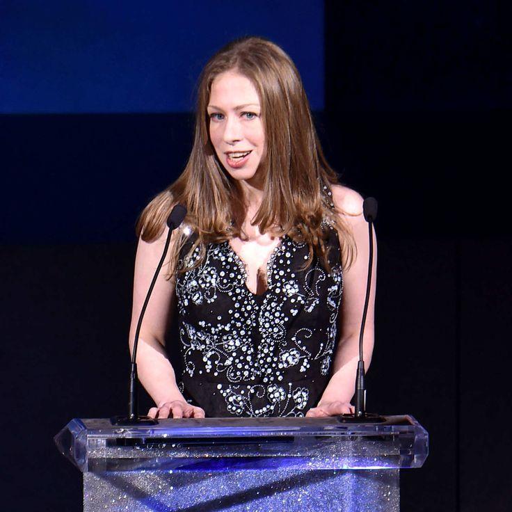 Chelsea Clinton Pays Tribute To Oscar De la Renta