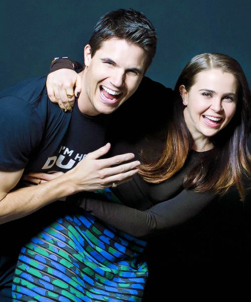 Robbie Amell and Mae Whitman (The DUFF - FANTASTIC movie, btws!)