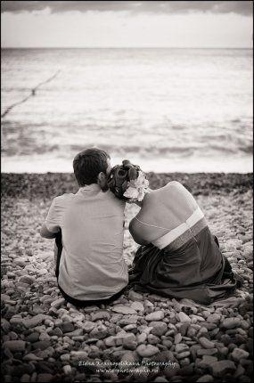 Боимся признаться себе, как порою нам хочется обнять кого-то и уткнуться носом в щеку. Жизнь ведь прекрасна, когда чьей-то щеке нужен твой н...