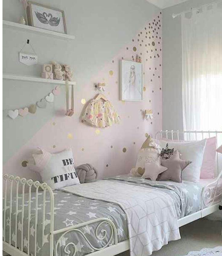 Susses Kleines Madchen Zimmer Ich Liebe Die Wandfarbe Mit Glitzer Und Dem Madchenschlafzimmer Madchen Schlafzimmer Ideen Schlafzimmer Madchen Kinder Zimmer