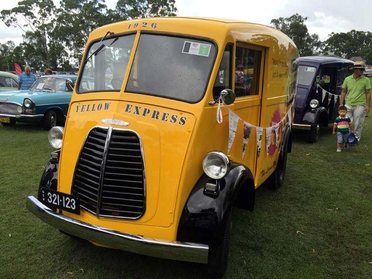 06 Parramatta CARnivale, showcasing vintage motors