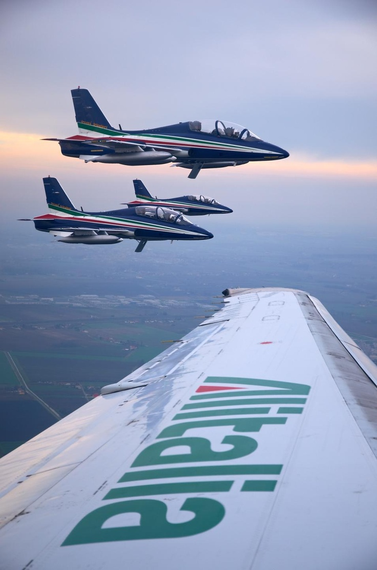 Last flight of McDonnell Douglas MD80 with Frecce Tricolori